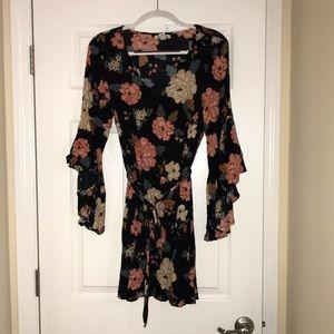 Billabong bell-sleeve dress